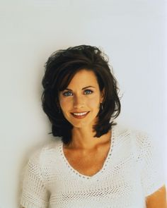 My Beautiful Courteney ❤️ Cut Her Hair, My Hair, Courtney Cox Hair, Bombshell Beauty, Most Beautiful Faces, New Hair Colors, Friends Tv, Sexy Hot Girls, Hair Care