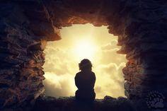 """Da """"Il piccolo libro del sognatore"""" di Sergio Bambarén  parole di speranza, soprattutto per gli inguaribili sognatori ... come me ;)  Sognate, miei cari amici! Credete al potere dei sogni, al potere dell'amore. Non scordate mai che il potere dell'amore può risolvere ogni conflitto, accorciare ogni distanza, risplendere attraverso i muri di cristallo. Non dimenticatelo mai.  #SergioBambarén , #sogni, #amore, #speranza, #sognatori, #italiano,"""