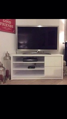 Echo-Corner-TV-Unit-fits-up-to-50-inch-TV-white-high-gloss