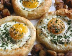 Egg Stuffed Puff Pastry for Breakfast  #breakfast #egg #puff #tuzubiberi