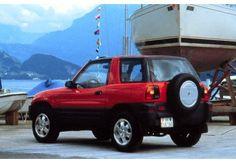 TOYOTA RAV 4 (1994-1996) - Pěkný kousek maličkého SUV. Ale už si ho asi nepořídím, protože i když si najdu nejnovější, bude to veterán...