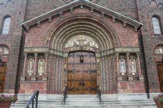 Blessed Trinity Roman Catholic Church, Buffalo, New York www.stephentravels.com/top5/entryways