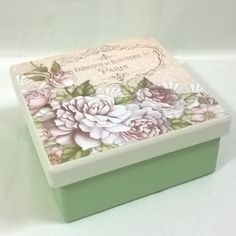 New sewing storage cubes fabric bins ideas Decoupage Vintage, Decoupage Box, Ikea Craft Storage, Cube Storage, Storage Ideas, Media Storage, Storage Basket, Sewing Room Design, Sewing Room Decor
