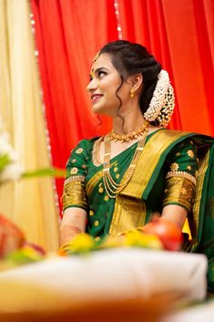 Beautiful maharashtrian bride in green paithani saree Kerala Wedding Saree, Bridal Sarees South Indian, Bridal Silk Saree, Indian Bridal Fashion, Indian Bridal Wear, Saree Wedding, Bride Indian, Pakistani Bridal, Engagement Dress For Bride