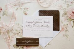 polka dot chic wedding stationery by @Rose Murphy