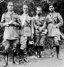 Foto de 1932. O primeiro da esquerda para a direita é o médico JK.