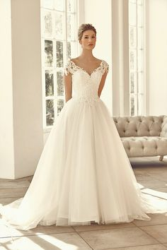 Benjamin Roberts Wedding Gown at Lief Bridal Birmingham - Appointments at…