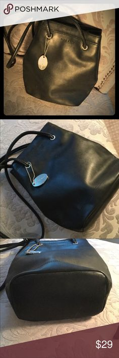 "Nine West Bucket Bag Brand Nine West. Clean & like new. Magnetic snap closure. Interior zipper pocket.  Divided in center to allow for two compartments. Handle 13.5"" hang. Smoke free home. Nine West Bags Shoulder Bags"