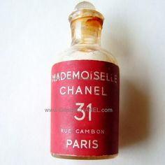 Vintage CHANEL Mademoiselle CHANEL No. 31