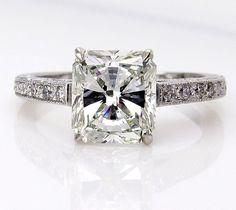 Estate Vintage 2.59ct Radiant Cut Diamond Solitaire Engagement Wedding Anniversary Platinum Ring..