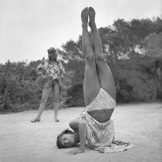 Beach Yoga: Alberto Garcia Alix