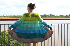 This would be great with a 7 or 8 skein gradient/ombre Sweater Kit! Baby Knitting Patterns, Knitting Yarn, Knitting Sweaters, Sweater Patterns, Ombre Sweater, Knitting Projects, Knitting Ideas, Sweater Jacket, Ravelry