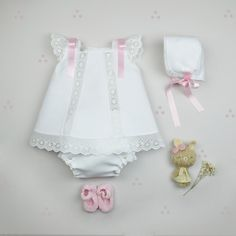 Especial Bebe a mano Baby Girl Frocks, Frocks For Girls, Kids Frocks, Dresses Kids Girl, Girl Outfits, Cute Baby Pictures, Easter Outfit, Baby Sewing, Little Princess