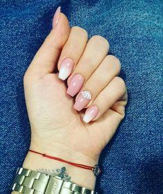 #ombrenails #nudenails #babyboomer #pearls #nails