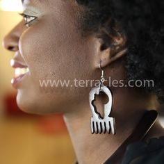 Good morning beautiful people! #Earrings available on the website www.terracles.com #necklace #nkabom #unity #terracles #sankofa #adinkra #symbols#terracles #sankofa #Love #RT #me #TheAfricaTheMediaNeverShowsYou #Styles #Fashion #lookbook #Thisisafrica #Instagood #me #tbt #cute #african #Blackbeauty #Stylesand #Queenstatus #royalty #dashiki #spring #summer #everydayafricanfashion