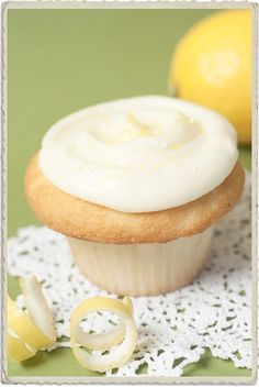 Lemon Mascarpone Cupcake.