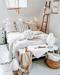 #BedroomDecor Cozy Bedroom, Bedroom Inspo, Bedroom Decor, Bedroom Ideas, Design Bedroom, Bedroom Bed, Bedroom Inspiration, Bedroom Plants, Night Bedroom