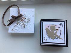 Willkommen auf meinem Blog!  Schön dass ihr hier vorbei schaut!   Heute zeige ich euch wieder eine schöne Geschenkidee! Es ist eine Box die ...
