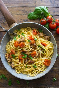 Pasta with Italian Sausage and Fresh Tomatoes is a delicious fast and easy Italian Pasta recipe, a perfect skillet healthy comfort food dish.