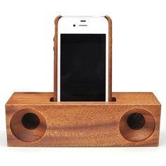 広島で有名な木工加工の匠 株式会社天王さんのスマートフォン用のおしゃれな木製スピーカースタンドの登場です。株式会社天王HP:http://www.tenou.co.jp/なんとスマートフォンを差し込むだけでスピーカーの音量が大幅UP!音量がUPするだけではなく音質も向上するというかなりの優れもの!*このページでの販売はスピーカーのスタンドのみとなります。・スマートフォンのスピーカー部分が下部にある機種のみご使用頂けます。・音楽を聴くときににスマートフォンをスタンドにおいてご使用して頂きます。 驚きの音量と音質に変化します!!!・充電ジャックを差し込んだままご使用頂けます。