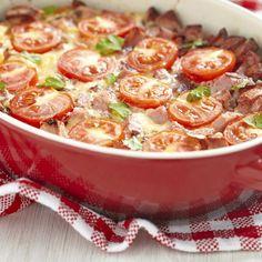 Rezept für Tomatenauflauf gibt es vegetarisch oder mit Hackfleisch.