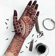 Circle Mehndi Designs, Mehndi Designs Front Hand, Pretty Henna Designs, Henna Tattoo Designs Simple, Latest Bridal Mehndi Designs, Mehndi Designs 2018, Mehndi Designs For Girls, Mehndi Designs For Beginners, Mehndi Simple