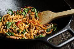 Udon Stir Fry, Pork Stir Fry, Pork Udon Noodles, Beef Udon, Stir Fry Noodles, Vegetarian Recipes, Cooking Recipes, Healthy Recipes, Basic Stir Fry Sauce Recipe