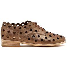 Comfortable Fashion, Brogues, Cashmere Sweaters, Fashion Shoes, Black Leather, Lace Up, Louis Vuitton, Footwear, Shoe Bag
