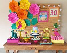Hawaiian Birthday, Flamingo Birthday, Moana Birthday, Luau Birthday, Flamingo Party, 30th Birthday Decorations, 13th Birthday Parties, Hawaiian Baby Showers, Tropical Party