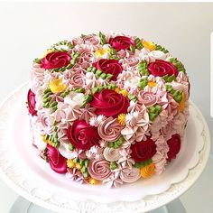 Floral cake by @anefurtado_brigaderia.