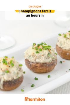 Champignons farcis au boursin Mushrooms stuffed with Boursin: a quick entry but that will make an impression with your guests! Potluck Recipes, Meat Recipes, Holiday Recipes, Healthy Recipes, Drink Recipes, 200 Calories, Goat Cheese Stuffed Mushrooms, Party Finger Foods, Vegetable Drinks