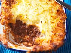 The Hairy Bikers' healthy cottage pie recipe is a delicious lower-fat twist on the classic family dinner. Pie Recipes, Dinner Recipes, Cooking Recipes, Recipies, Batch Cooking, Dinner Dishes, Diabetic Recipes, Lunch Recipes, Dessert Recipes