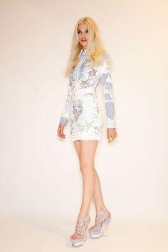Versace at Milan Spring 2012 (Backstage)