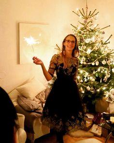 """Gefällt 73 Mal, 3 Kommentare - Bine kocht! (@bine_kocht) auf Instagram: """"#Christmas #Weihnachten #gold #chichilondon #dress #black #christmastree #holynight #decoration…"""""""
