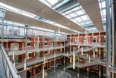 Vue de l'atrium d'HEI campus de Lille Atrium, Room, Furniture, Home Decor, Audio Engineer, Bedroom, Homemade Home Decor, Rooms, Home Furnishings