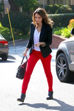 jessica_alba_rocks_the_red_check_out_this_hot_winter_trend