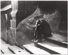 Jaromir Funke Le sommeil incommode, 1922. Social Art, Famous Photographers, Photomontage, Solitude, Black And White Photography, Street Photography, Monochrome, Darth Vader, Ebay
