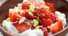 Ricotta met aardbeien en pistaches