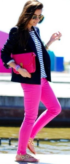 pink jeans + stripes with blazer I would do this with green jeand Pretty Outfits, Cool Outfits, Summer Outfits, Casual Outfits, Pink Jeans, Striped Jeans, Spring Summer Fashion, Autumn Fashion, Girl Fashion