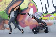 Der Special Edition Britax affinity Jungle Boogie entführt Eltern und Kinder in die bunte und farbenfrohe High-Fashion Welt von MALA & MAD.  #streetart #street #art #urbanart #Kinderwagen #Graffiti