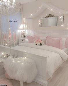 Teen Room Decor, Room Ideas Bedroom, Girly Bedroom Decor, Bedroom Decor For Teen Girls Dream Rooms, Bedroom Furniture, Bedroom Designs For Girls, Summer Bedroom, Teen Bedroom Colors, Teen Girl Decor