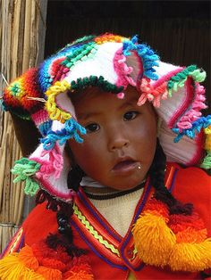 Fillette des Iles Uros  Pérou > Lac Titicaca