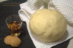 PASTA FROLLA ALL'AMARETTO -ricetta base dolce (Le Ricette di Mamma Leonilla) Link ricetta --> http://blog.giallozafferano.it/ricettefacililucia/pasta-frolla-amaretto-ricetta-base-dolce/