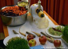 BenjaminRies - Traiteur végétarien & Alimentation Santé Restaurants, Raw Food Recipes, Table Decorations, Veggie Dishes, Switzerland, Food, Restaurant, Dinner Table Decorations