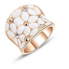 The Lana✨Stunning FloralEnamel RingCelebFav RoseTone✨Zinc Alloy Boutique Jewelry Rings