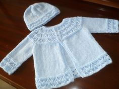 Ravelry: First Size Knitted Set pattern by Patons Pattern in Baby Sets by Beehive also called Patons & Baldwin. Baby Knitting Patterns Free Newborn, Baby Cardigan Knitting Pattern Free, Baby Sweater Patterns, Knit Baby Sweaters, Knitted Baby Clothes, Sweater Knitting Patterns, Cardigan Pattern, Baby Knits, Knitting Stitches