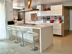 Lindas e Modernas!!!     Quem ama cozinha clean levanta a mão o/  E cozinhas inteligentes é tudo de bom!! Com gavetas, cooktop, coifa e ...