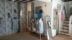 Boutique Art E Perlas en Altea, Alicante. Altea, Alicante, Boutique, Furniture, Home Decor, Black Pearls, Jewels, Decoration Home, Room Decor