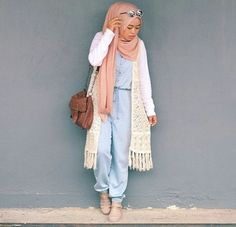 hijab, outfit, and shea image