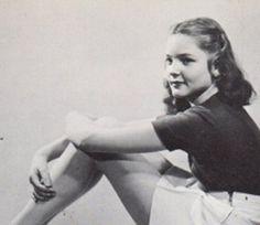 1000+ images about Lauren Bacall on Pinterest | Lauren ... Lauren Bacall Young